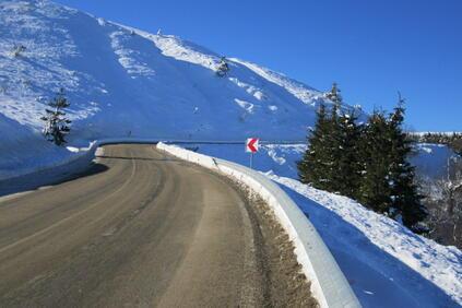 Всички републикански пътища са проходими при зимни условия Над 700