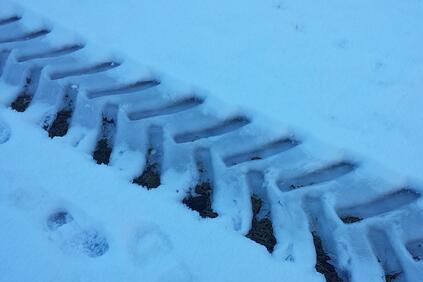 27-те областни пътни управления и снегопочистващите фирми работят на 24-часов