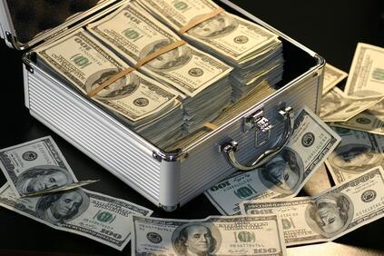 Най-бедната половина от човечеството не притежава нищо 82% от богатството