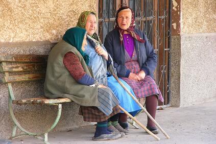 Най-тежко е положението при хората над 65 години и при