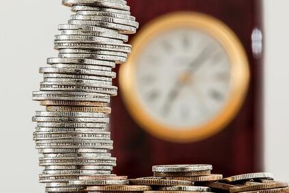 Общият доход на лице от домакинство е 1 407 лв.,