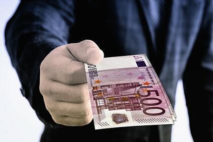 Европейската комисия съобщи, че ще подпомогне допълнително властите на национално