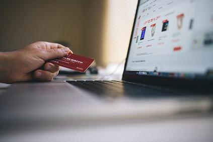 От днес българските потребители ще могат да купуват стоки и