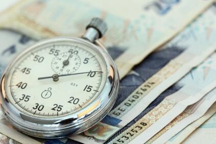 Снимка: Общите разходи за труд нарастват с 8 9 а в застраховането с 4 4