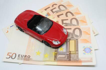 Снимка: От новата година 30 по високи данъци за старите автомобили