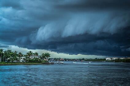 Снимка: Щетите от тропическата буря Пабук в Тайланд може да достигнат 156 млн