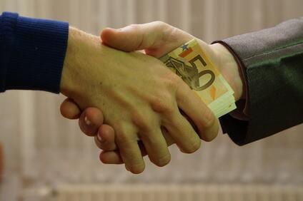 Снимка: Резил Лекарка от ТЕЛК взела подкуп от 200 лева